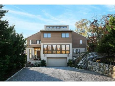 Sprawling New Construction in Dobbs Ferry $1,399,000